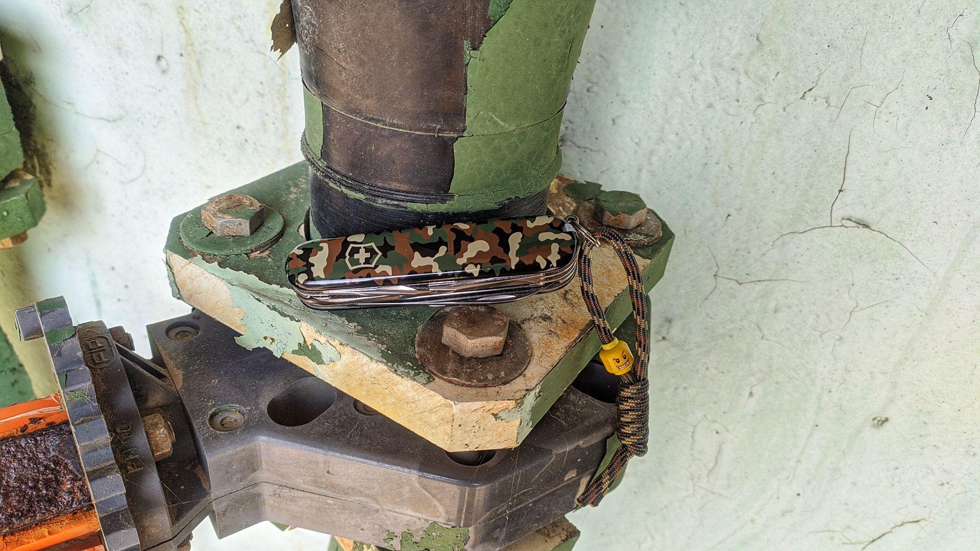 Victorinox_Huntsman_Camo_Camouflage_art_n_1.3713_maxgearedc.com_EDC_GEAR_OUTDOOR_TESTING_and_SHORT_REVIEWS_17