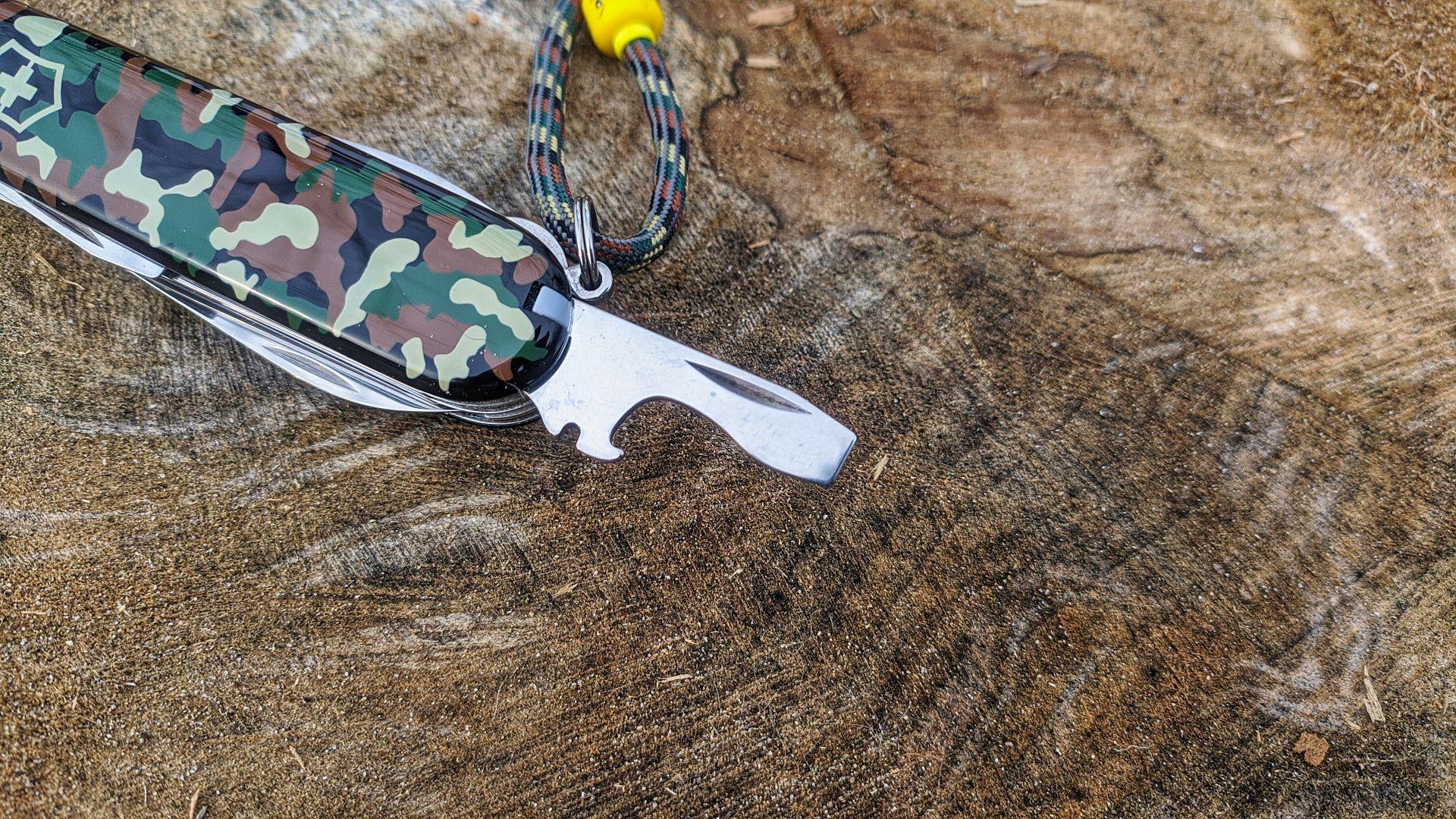 Victorinox_Huntsman_Camo_Camouflage_art_n_1.3713_maxgearedc.com_EDC_GEAR_OUTDOOR_TESTING_and_SHORT_REVIEWS_5