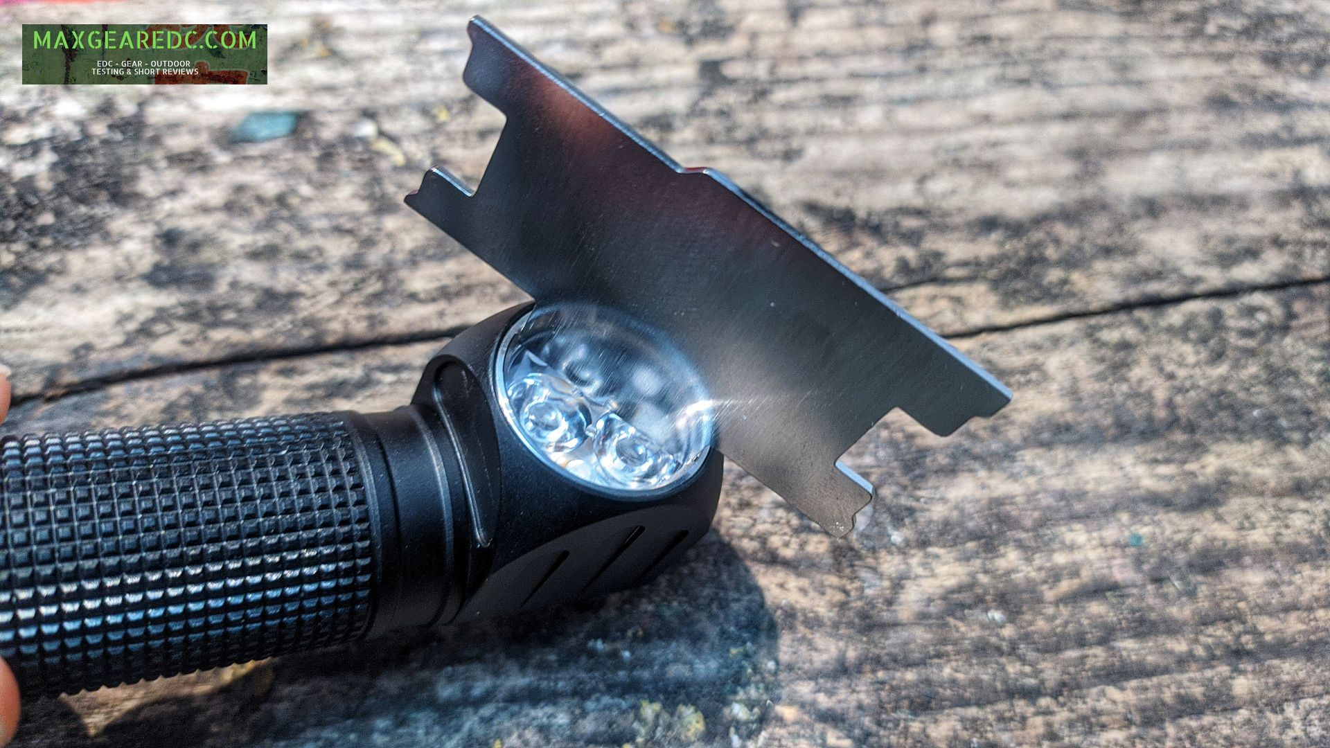 Lumintop_HL3A_Flashlight_Review_SST20_18650_maxgearedc.com_EDC_GEAR_OUTDOOR_TESTING_and_SHORT_REVIEWS_13