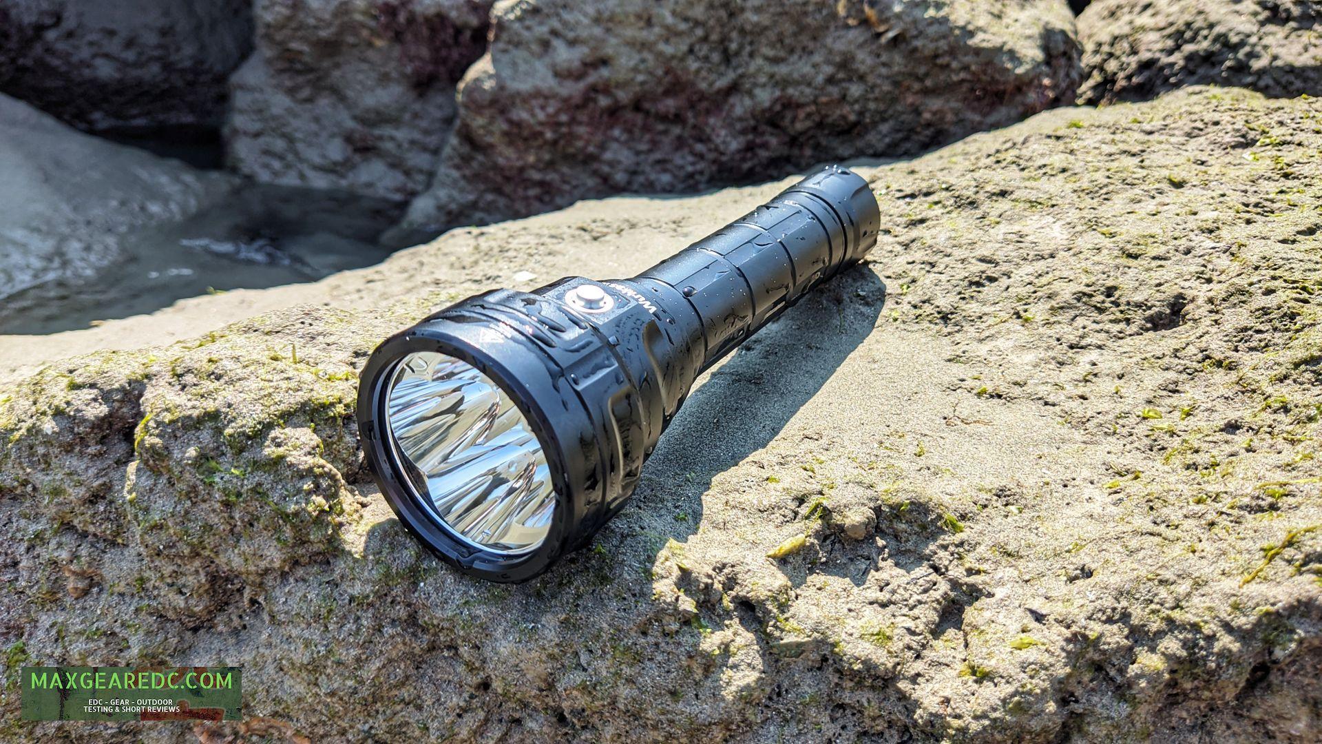 Wurkkos_DL40_Diving_Flashlight_Review_Aluminium_26650_maxgearedc.com_EDC_GEAR_OUTDOOR_TESTING_and_SHORT_REVIEWS_17