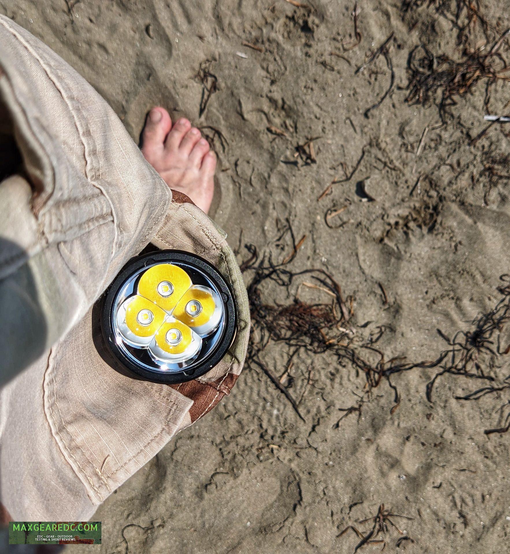 Wurkkos_DL40_Diving_Flashlight_Review_Aluminium_26650_maxgearedc.com_EDC_GEAR_OUTDOOR_TESTING_and_SHORT_REVIEWS_9