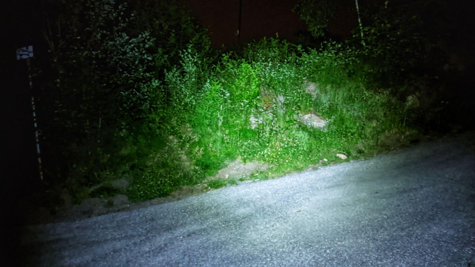 acebeam_E70_flashlight_Review_21700_XHP_70_maxgearedc.com_EDC_GEAR_OUTDOOR_TESTING_and_SHORT_REVIEWS_21